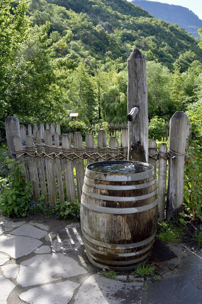 Fontaine dans un tonneau