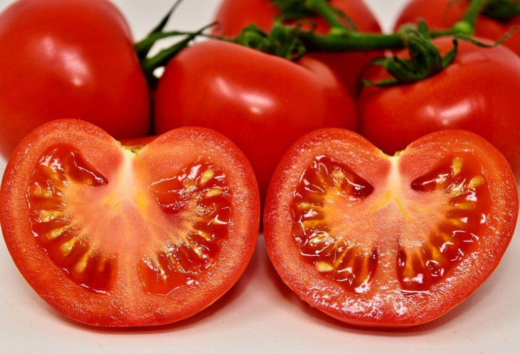 Tomate coupée